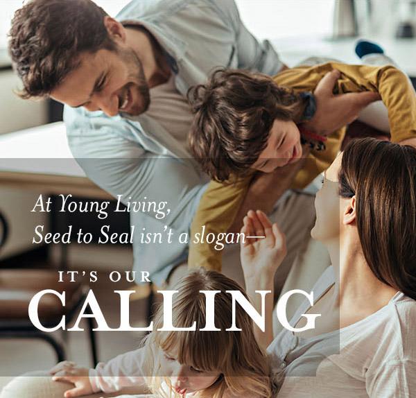 girl_img_calling_family